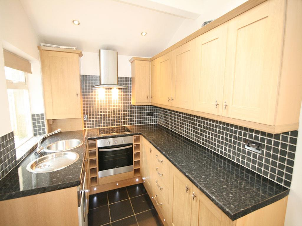 3 bedroom mid terrace house To Let in Barnoldswick - IMG_0930.jpg